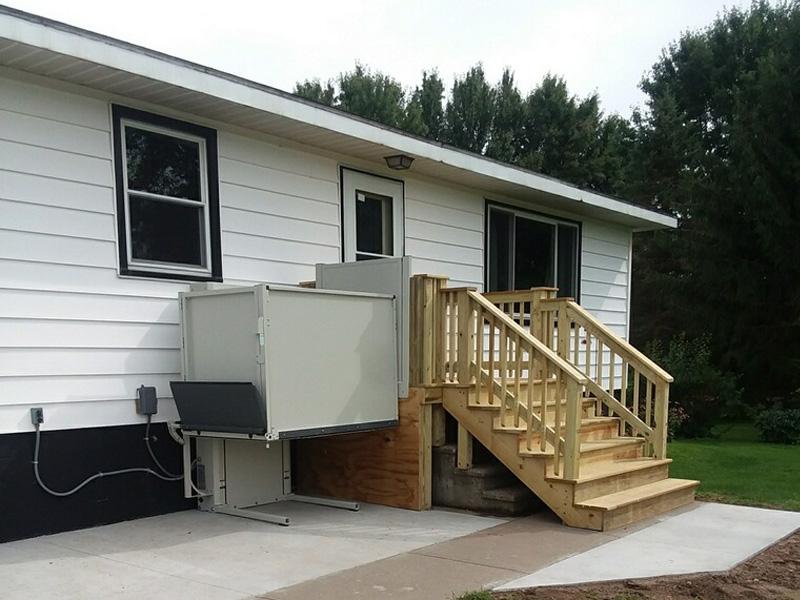 Outdoor home wheelchair lift