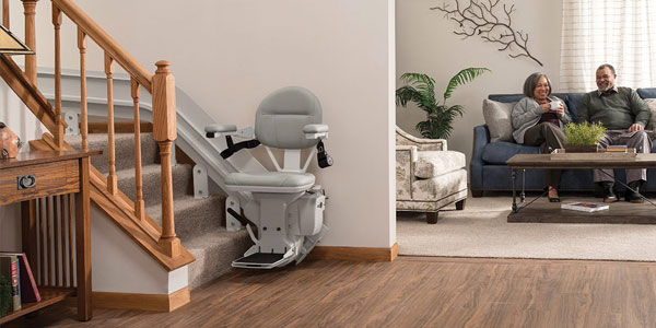 Curved residential stairlift